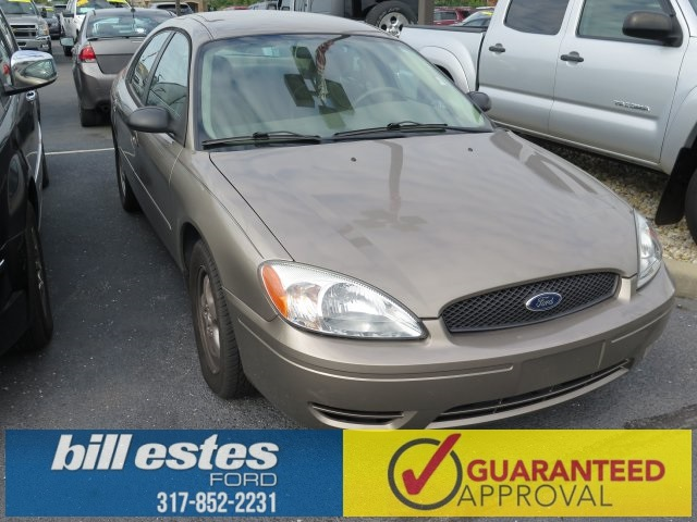 Pre-Owned 2005 Ford Taurus SE 4D Sedan