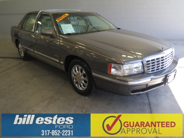 Pre-Owned 1999 Cadillac DeVille Base 4D Sedan
