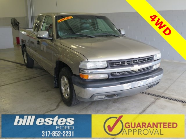 Pre-Owned 2000 Chevrolet Silverado 1500 Club Cab Pickup  4WD